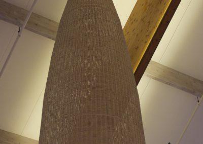Iluminación a gran escala de lámpara de mimbre de forma de cono