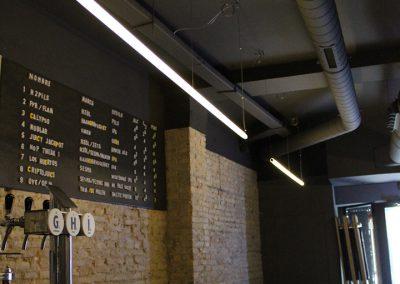 Iluminación de tubos de luz para restaurante con