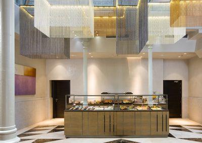 Iluminación de techo de diseño de tonos cálidos y de estilo elegante