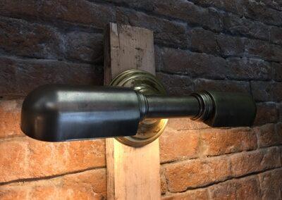 Lámpara con dos puntos de luz en horizontal de metal y color negro